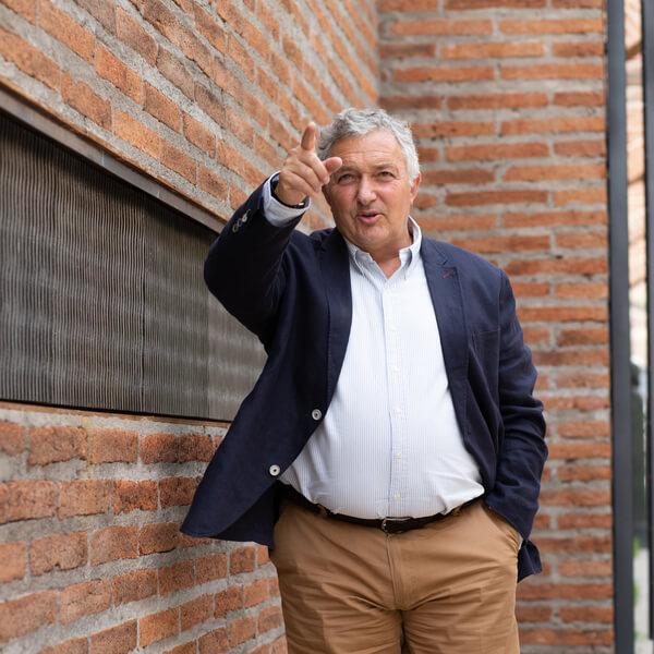 George Anastassiou- Presidente del consejo directivo