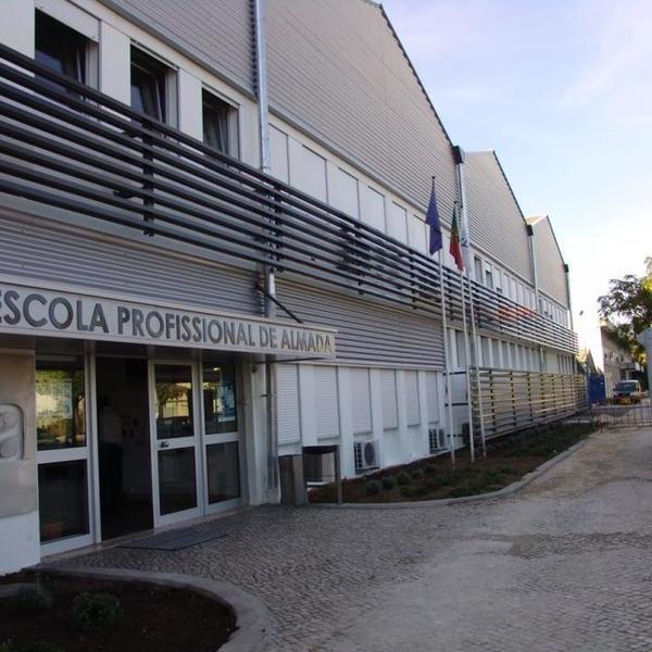 Escola Profissional de  Almada